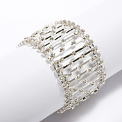 Fashion Interlocking Rhinestone Bracelet