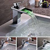 Moderne Solid Brass enkelt håndtag LED Waterfall Bathroom Sink Faucet Chrome Finish