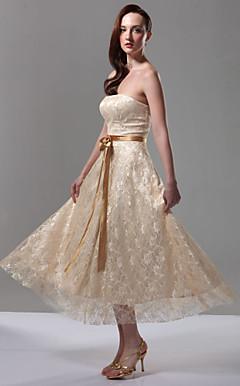 CORINA - Vestido de Madrinha em Cetim Elástico e Renda