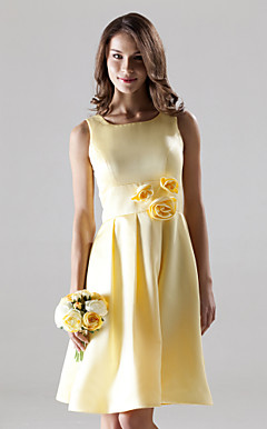 A-line Square Knee-length Satin Bridesmaid/ Wedding Party Dress