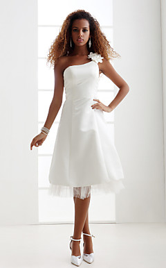 Sheath/Column Scoop Court Train Charmeuse Wedding Dress