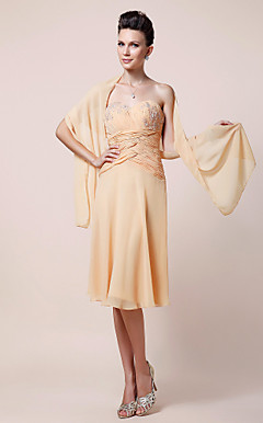 Sheath/Column Sweetheart Knee-length Chiffon Mother of the Bride Dress With A Wrap