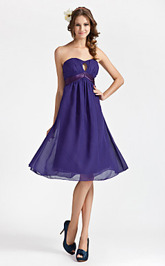 Sheath/ Column Sweetheart Knee-length Chiffon Bridesmaid Dress