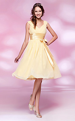 A-line V-neck Knee-length Chiffon and Stretch Satin Bridesmaid Dress