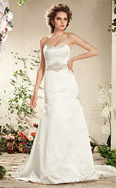 Trumpet/Mermaid Strapless Court Train Satin Wedding Dress