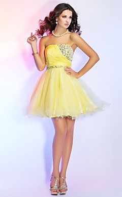 A-line Strapless Short/Mini Chiffon And Tulle Cocktail Dress With Beading And Crystal Detailing