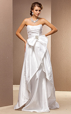 Sheath/Column Strapless Sweep/Brush Train Taffeta Wedding Dress