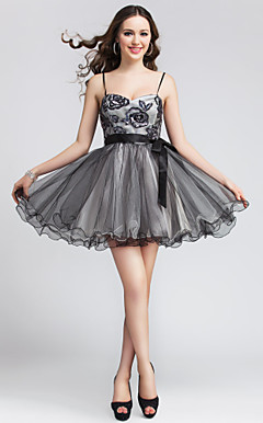 Ball Gown Spaghetti Straps Short/Mini Tulle And Sequined Cocktail Dress