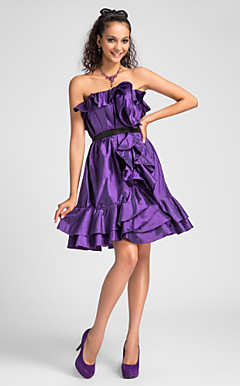 A-line Strapless Knee-length Taffeta Cocktail Dress