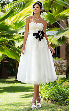 A-line Sweetheart Tea-length Lace And Tulle Wedding Dress