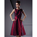 A-line Bateau Knee-length Taffeta Bridesmaid/Wedding Party Dress